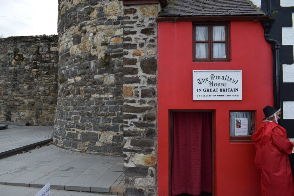 Photo of Great Britain's smallest house in Conwy