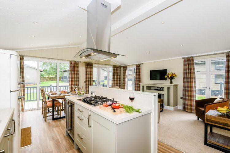 kitchen island in open plan kitchen/diner