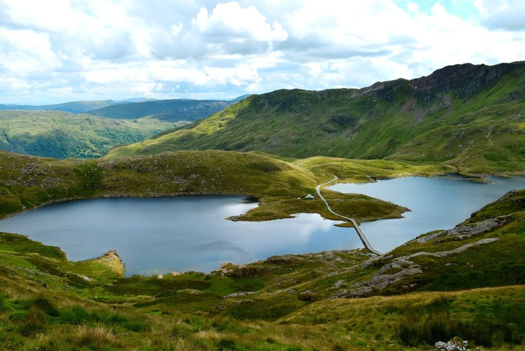 Photo of a lake in Snowdonia National Park