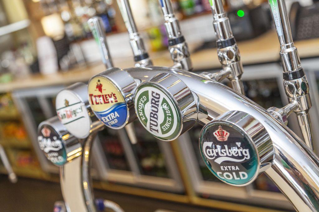Photo of the bar at Piran Meadows