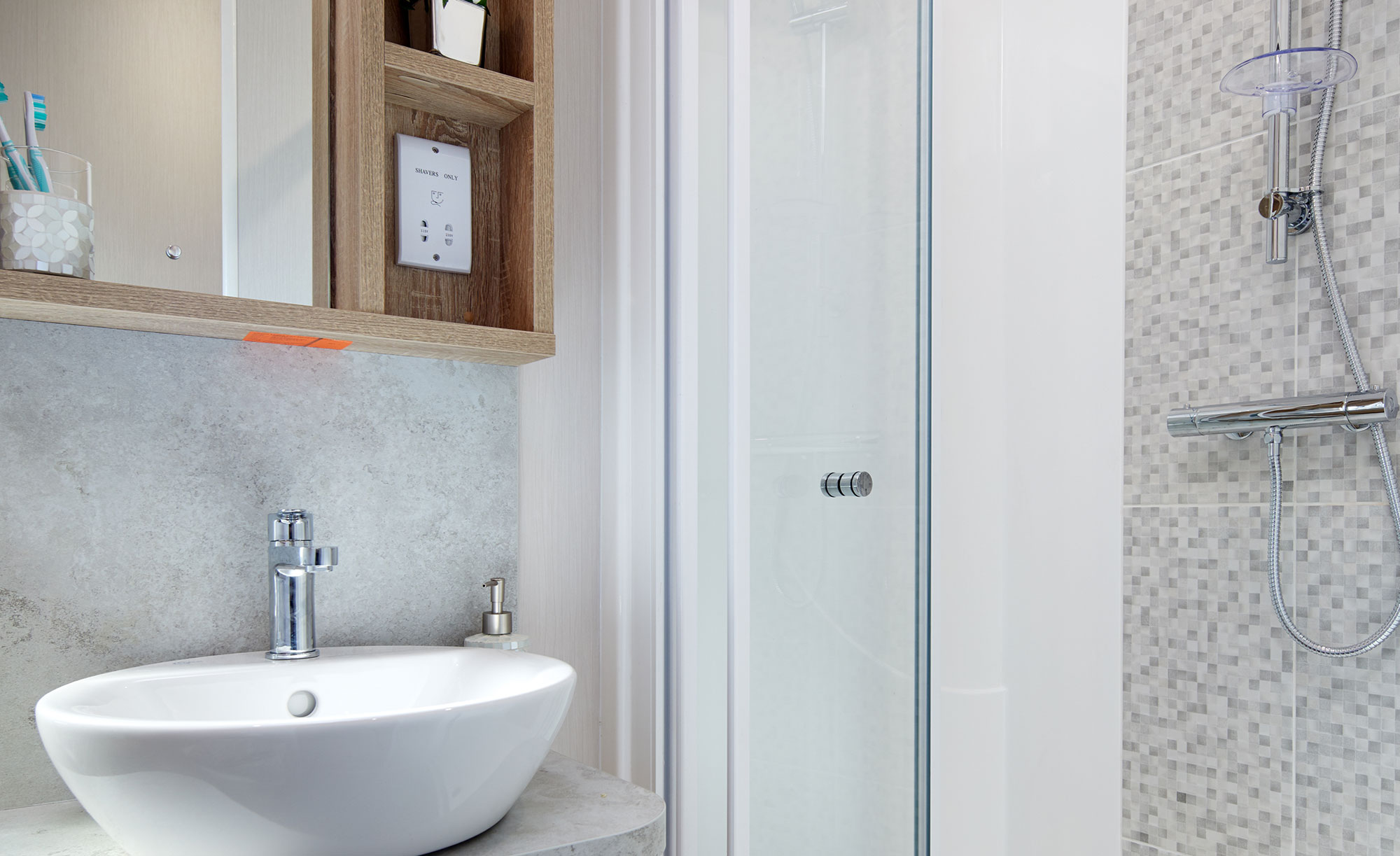 Interior shot of the bathroom in the Willerby Vogue Classique