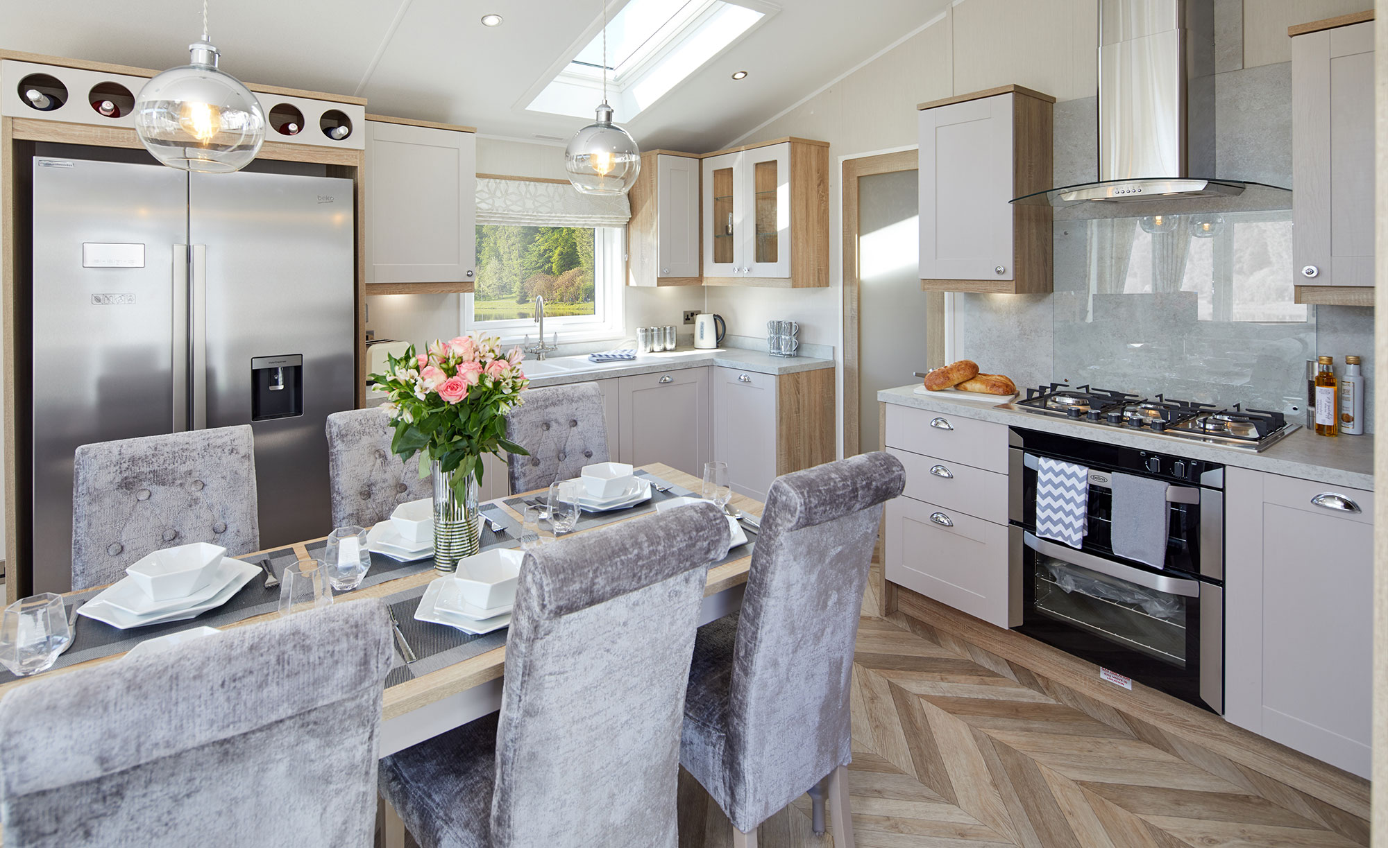 Interior shot of the kitchen and dining area in the Willerby Vogue Classique
